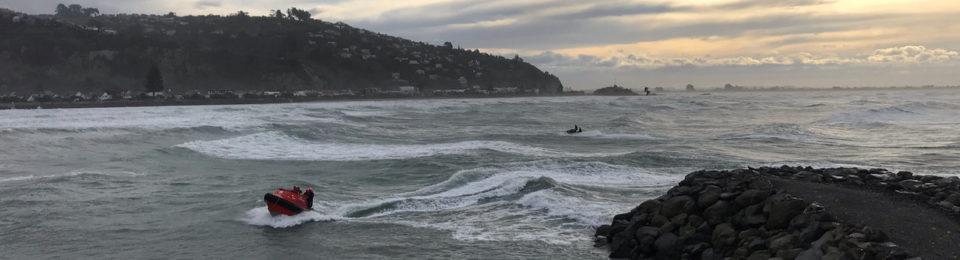 Rescue: crashed hang glider at Whitewash Head